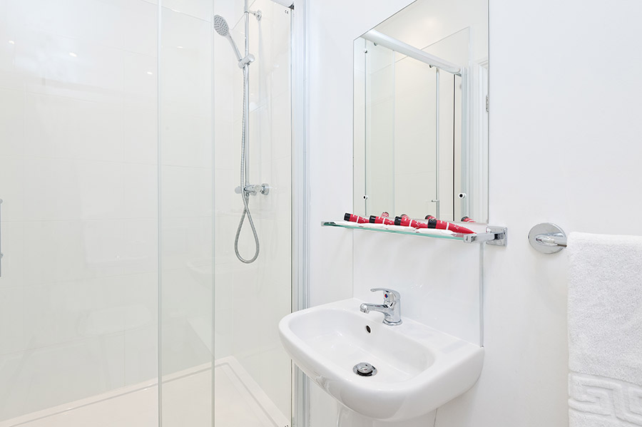 En-suite shower facilities