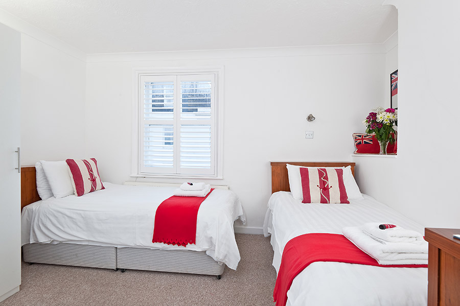 book brighton twin en-suite rooms