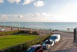 Hamptons Seafront Location